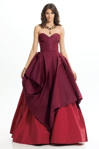 oscar-de-la-renta-red-sweetheart-neckline-gown-product-1-210839-438678154_large_flex